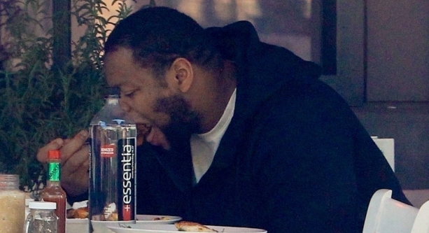 Dolphins Ndamukong Suh Spotted Eating With His Girlfriend