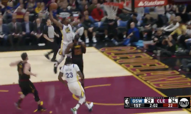 Kevin Durant Puts LeBron James on a Poster