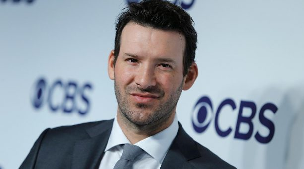 Tony Romo Ring-less at Dallas Steakhouse