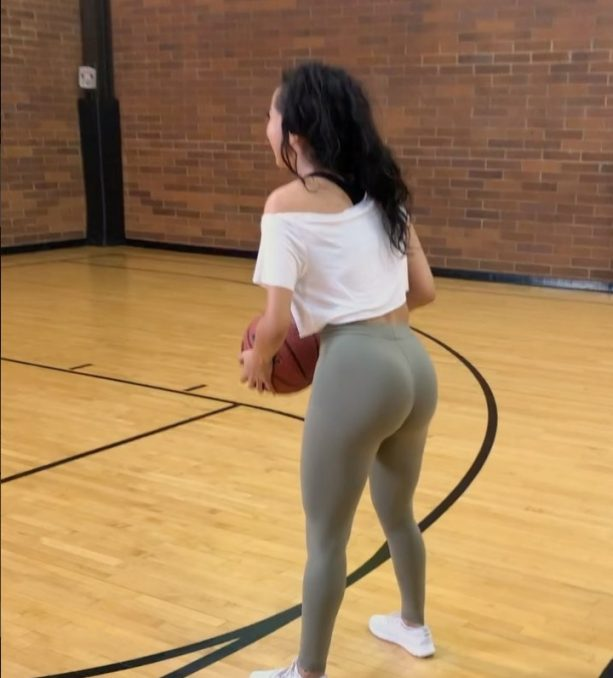 IG Models Trying to Hoop