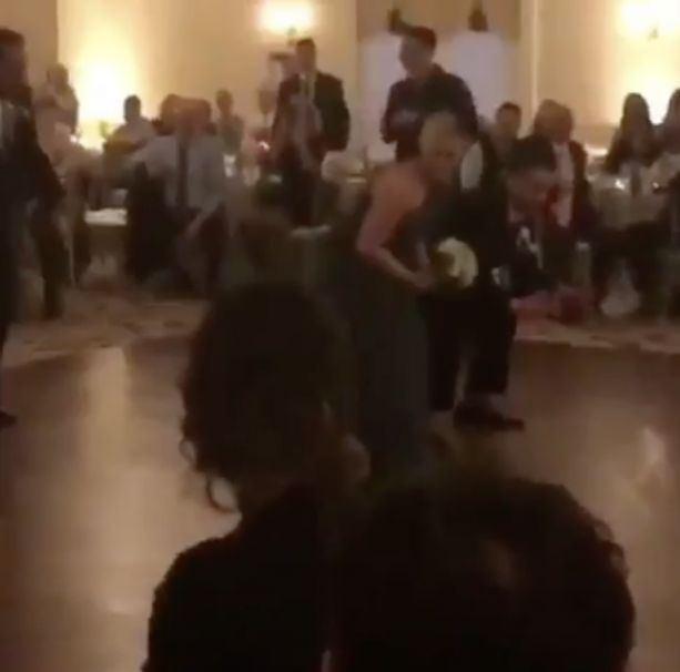 Video- Eagles Fans Run The 'Philly Special' During Their Wedding Reception