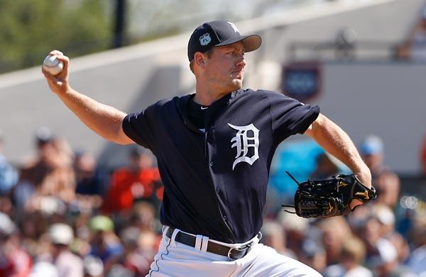 Detroit Tigers Pitcher Jordan Zimmermann Takes 105 MPH Line Drive To Jaw (VIDEO)