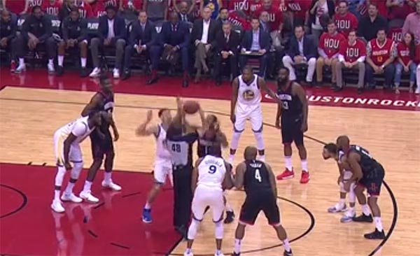 WATCH: Referee Had An Incredible Pump Fake During Warriors-Rockets