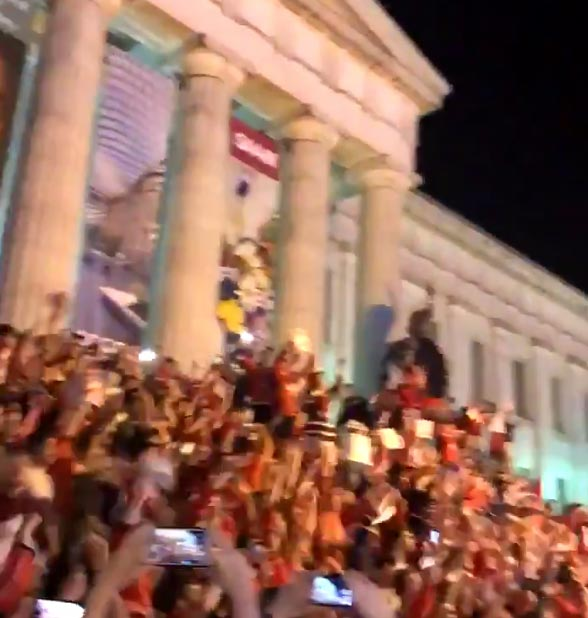 Capitals Fans Going HAM On Streets Of Downtown Washington DC (VIDEOS)