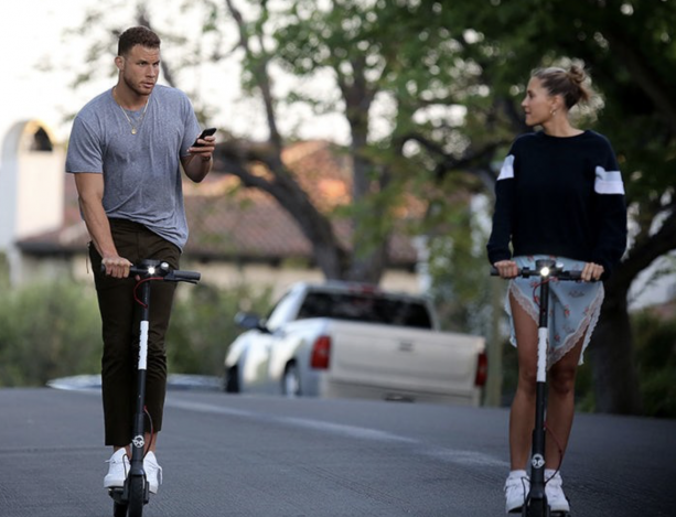 Blake Griffin Living His Best Life Kissing That Blonde Girl AGAIN