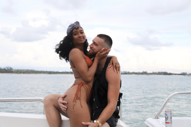 Travis Kelce And Fiancee Look Happoy In Love
