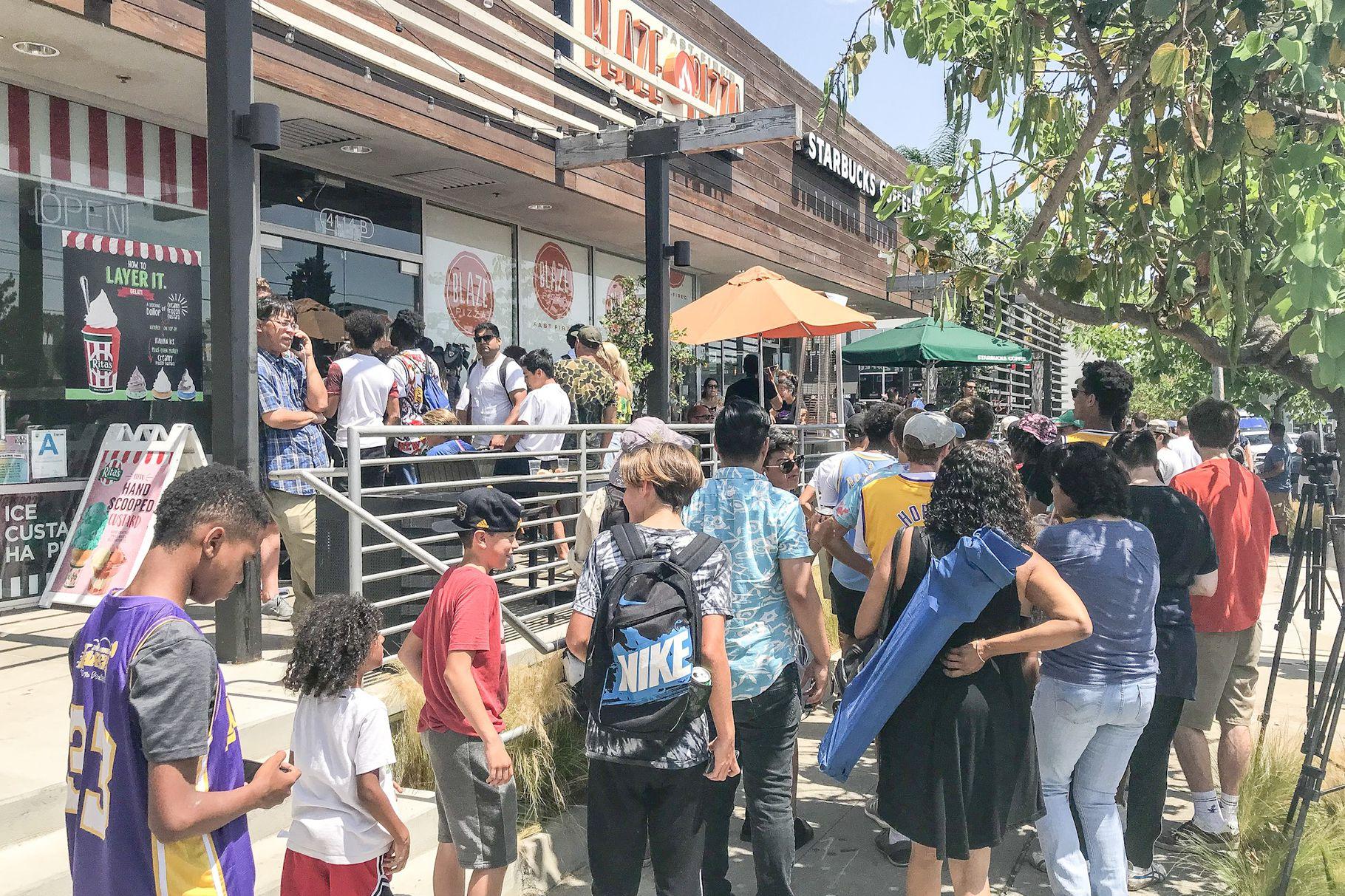 LeBron's Blaze Pizza Tweet Is Causing Mayhem in Culver City