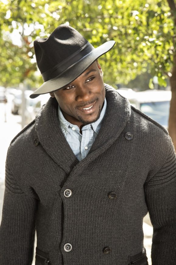Former NFL'er Thomas Jones All about Modeling These Days