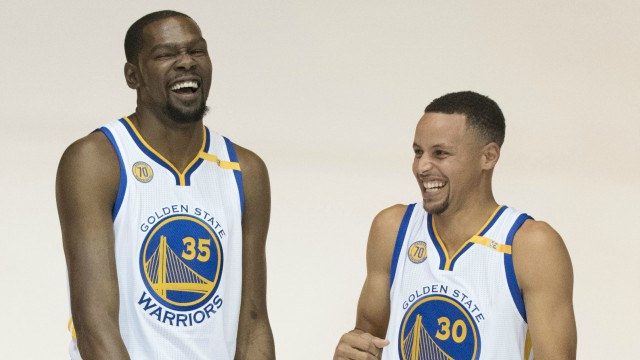 d31888fe7eab Kevin Durant had an impressive coast to coast layup that was mocked on the  bench by his teammate Steph Curry. During the fastbreak