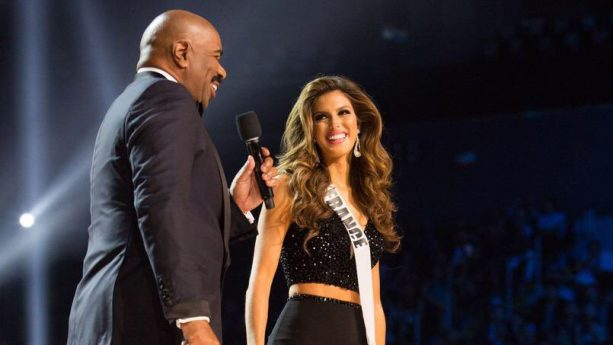 Steve Harvey Keeps it Together at This Year's Miss Universe Pageant