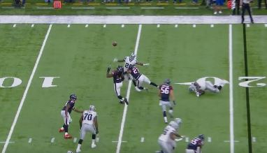 Jadeveon Clowney Tipped the Ball to Himself For an Interception