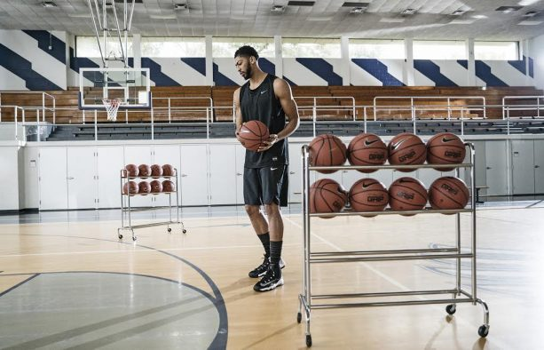 Anthony Davis Auditions for Three-Point Contest