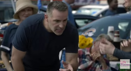 Kurt Warner Makes Cameo on CBS's Life in Pieces