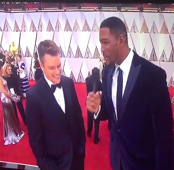 Red carpet host Michael Strahan Makes Mistake while Interviewing Matt Damon