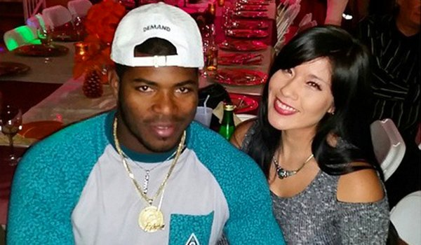Yasiel Puig's Girlfriend Changes the Diapers