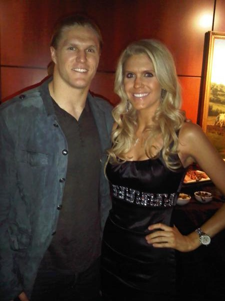 Aaron Rodgers Being Fixed Up With This Teammates Sister