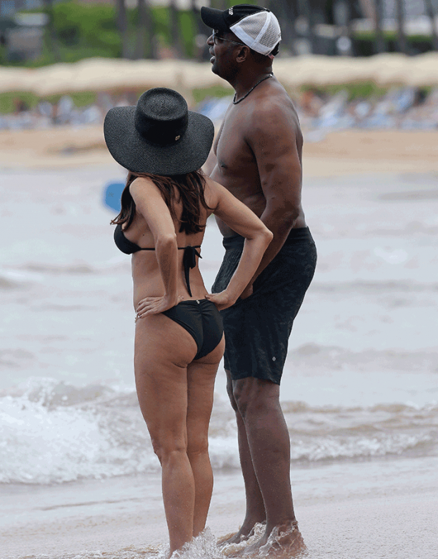Chris Carter and Wife Spotted At Beach In Hawaii