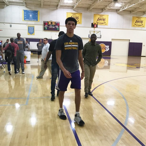 """Lonzo Ball SNEAK DISSES D'Angelo Russell: """"This Team Needs a Point Guard"""""""