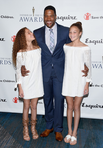 Michael Strahan Beaming at the Father of the Year Awards