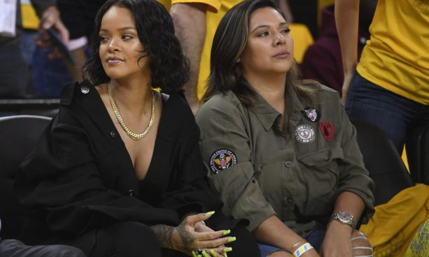 a087018b623 Rihanna attended Game 1 of the 2017 NBA Finals between the Cleveland  Cavaliers and Golden State Warriors. She definitely stole the show.