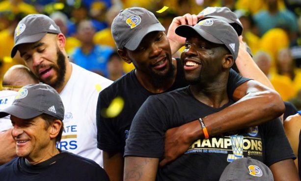 KD and Draymond Green Getting a Little Too Comfortable in Latest NBA2k Glitch