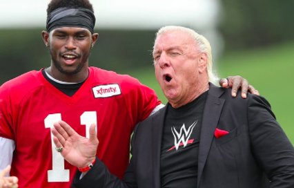 Atlanta Falcons Players Pay Tribute to Ric Flair