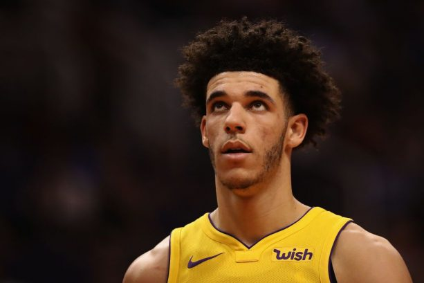 Lonzo Ball Gets Benched for the 3rd Time This Season; Still Has the Yips