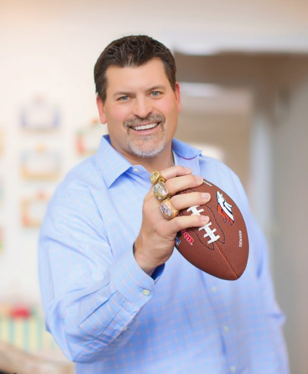 Former NFL'er Mark Schlereth Engages in Twitter Fight; Shutdowns Fan