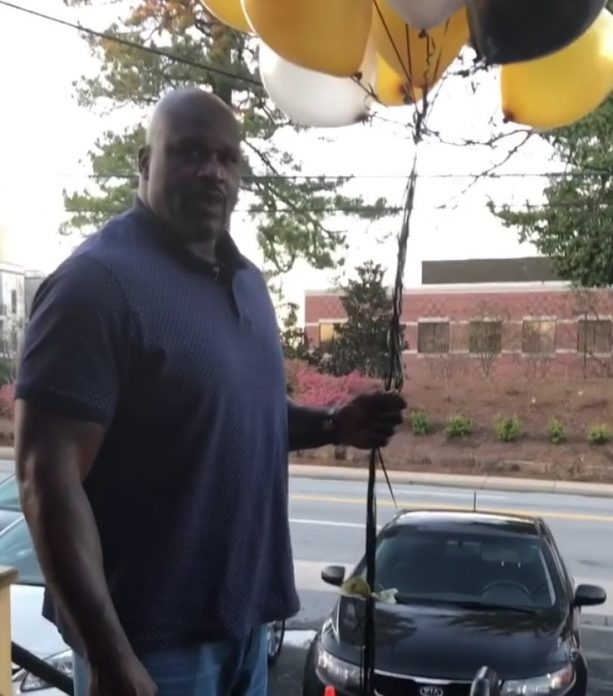 Shaq Releases B-Day Balloons Carrying $500