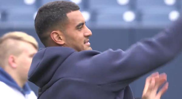 Titans QB Marcus Mariota Being A Class Act – Having A Catch With Special Olympians