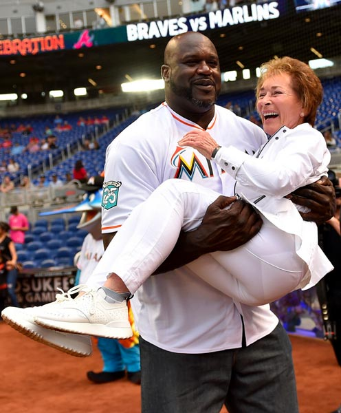 Shaq Threw Out First Pitch And Carried Judge Judy At Marlins Game
