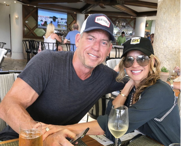 Troy Aikman Enjoing Himself In Maui With Wife