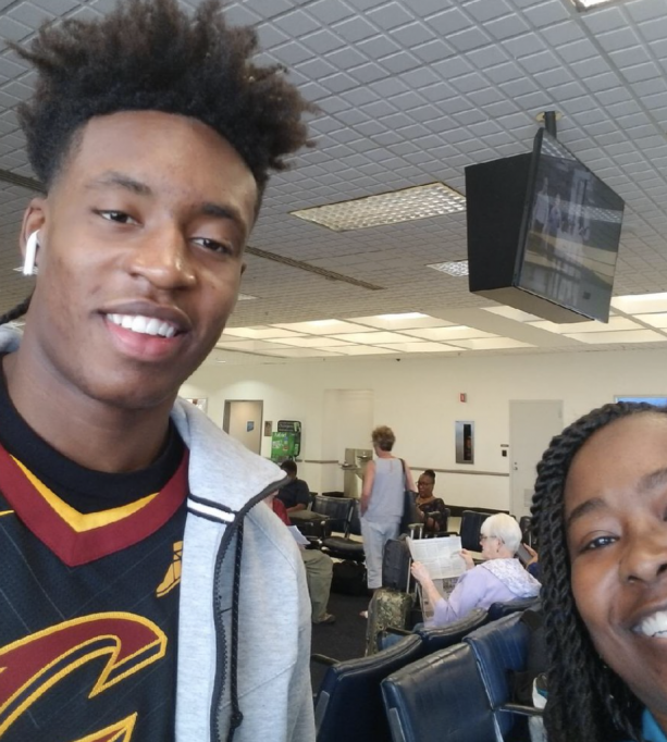 "c7ce2046e4c The Cavs 1st Collin Sexton was spotted at the airport wearing a Cavs jersey,  this comes to us vi aTwitter. ""My mom met Collin Sexton at the airport this  ..."