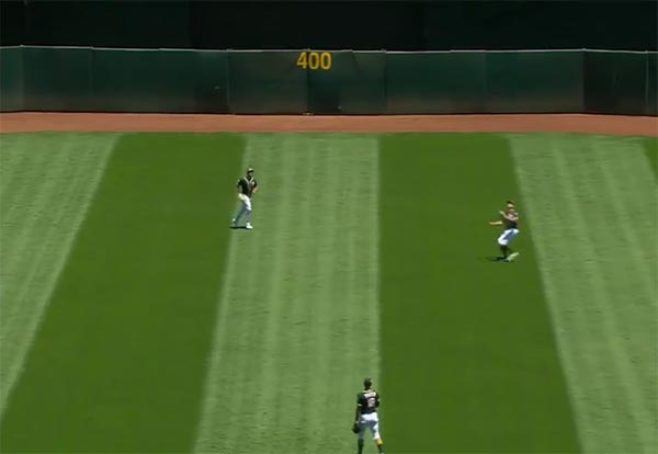 Oakland A's Stephen Piscotty Loses Fly Ball In Sun – Tries Catching It With His Head (VIDEO)