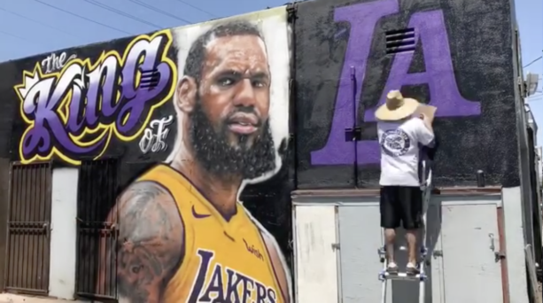 "LeBron James Already Getting A Billboard Calling Him ""King"" In Los Angeles"