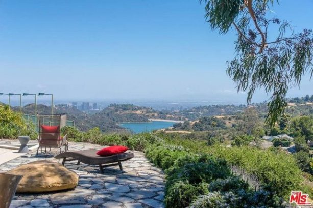 Wilt Chamberlain's Bachelor Pad In Bel Air Is On The Market For $19M (PICS)