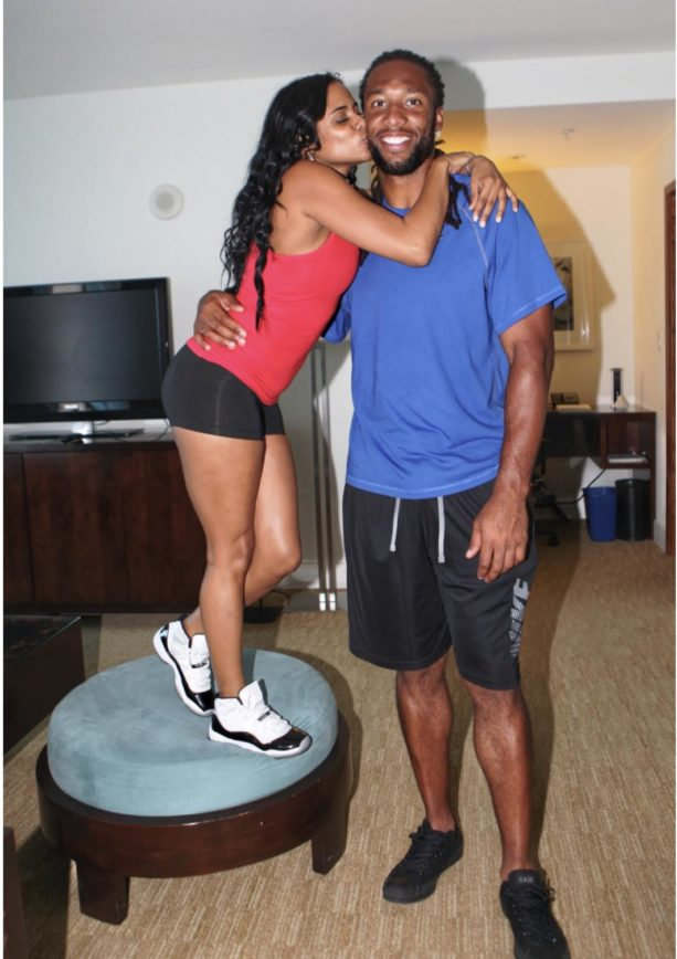 Some Girlfriend/Baby Momma Info On Cardinals Receiver Larry Fitzgerald