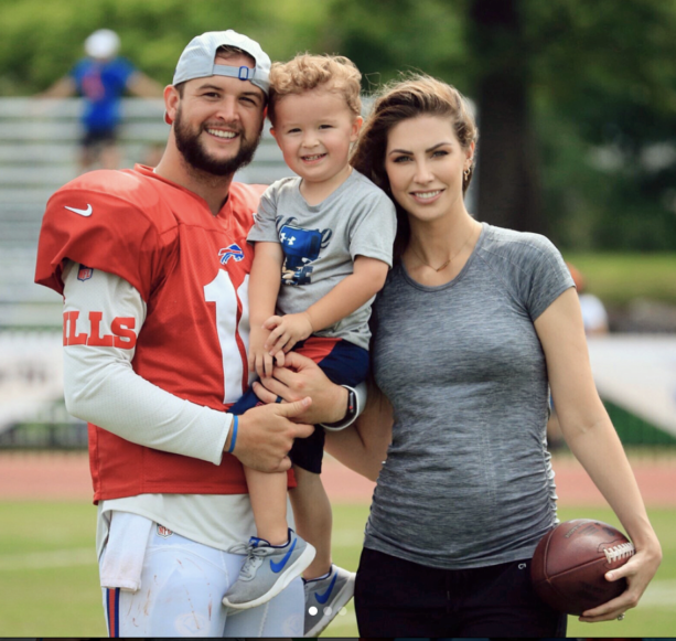 Katherine Webb Tells The World She's Pregnant With Second Child