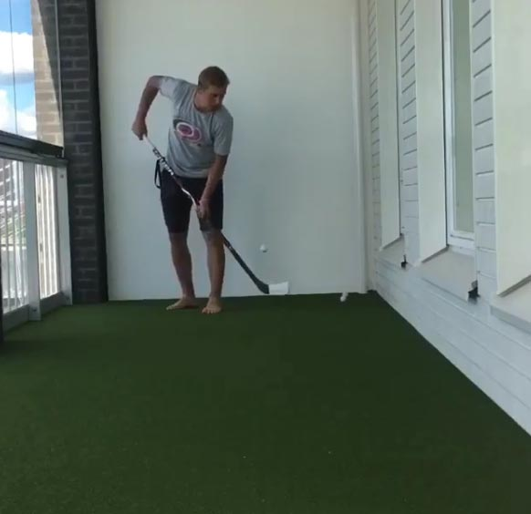 WATCH: NHL Player Juggles Golf Ball With Hockey Stick And Then Drains Putt