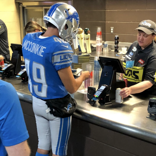 Lions Fan Goes Full Retard At Game