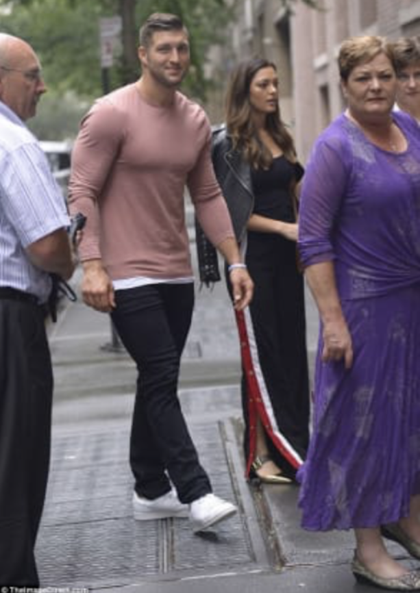 Tim Tebow Hits The Streets Of NYC With Girlfriend