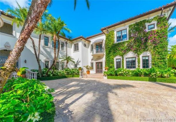 HoFer Mike Piazza Is Selling His Incredible Miami Mansion