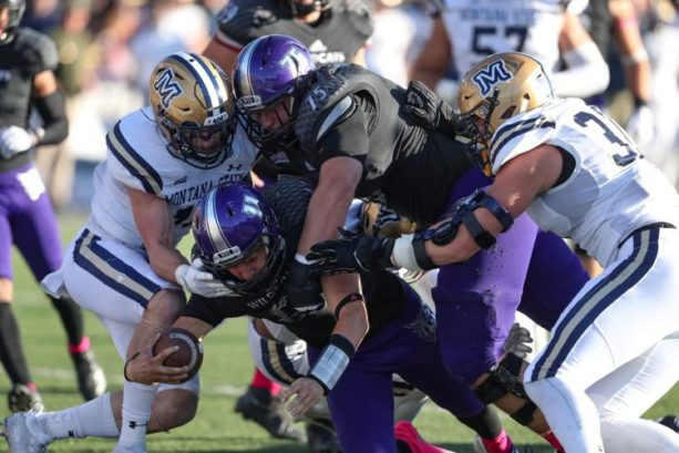 Weber State QB Kaden Jenks Breaks Leg – Tells Staff To Tape It Up