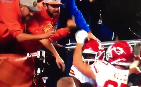 Broncos Fan Gives Kareem Hunt The Finger After TD (VIDEO)