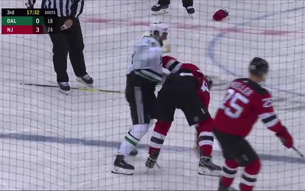 Watch: NHL Fight More Entertaining Than McGregor vs. Khabib