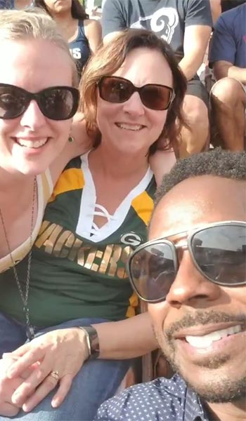 Packer Fans Didn't Recognize Desmond Howard (VIDEO)