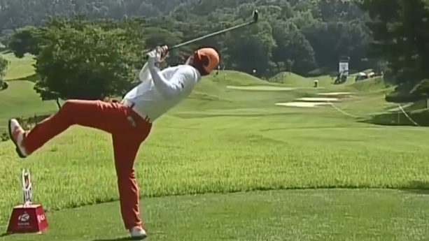The Golfer With The Weirdest Swing Just Won A Tournament (VIDEO)