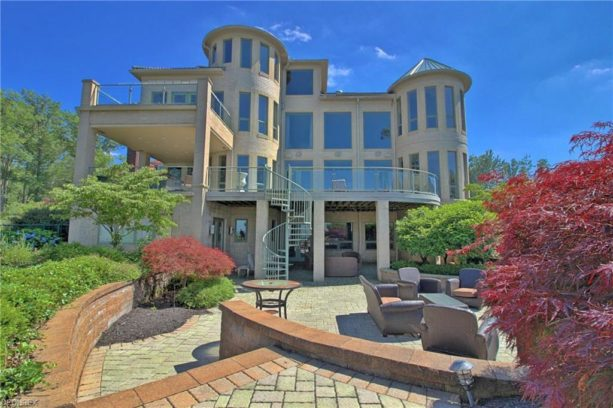 Tyronn Lue Selling Lakefront Ohio Mansion For 4 3m