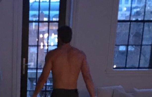 Girl Sends Picture Of Julian Edelman Shirtless At His House