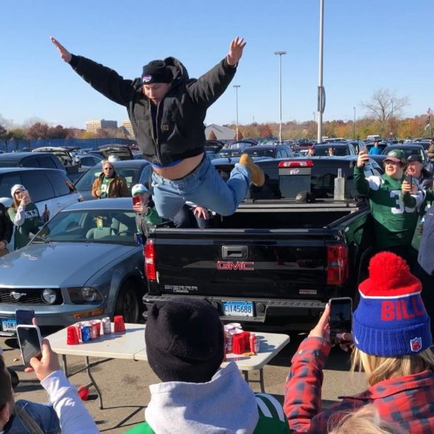 Is This Is The Best Bills Mafia Table Smash Of 2018?
